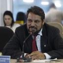 Câmara paga 50% do 13º salário e injeta quase R$ 200 mil na economia local