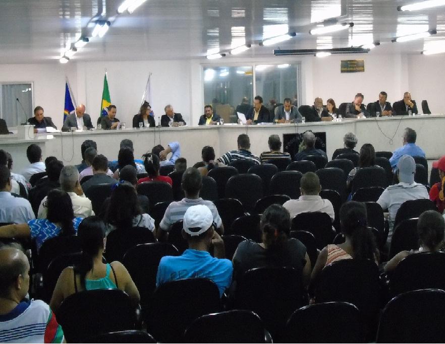 MOVIMENTO DOS CAMELÔS USAM A TRIBUNA PARA COBRAR MELHORIAS NO NOVO PÁTIO DA FEIRA