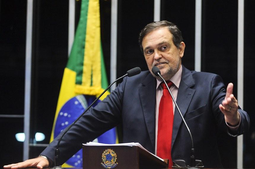 Senado - Brasil não resolverá crise aumentando impostos